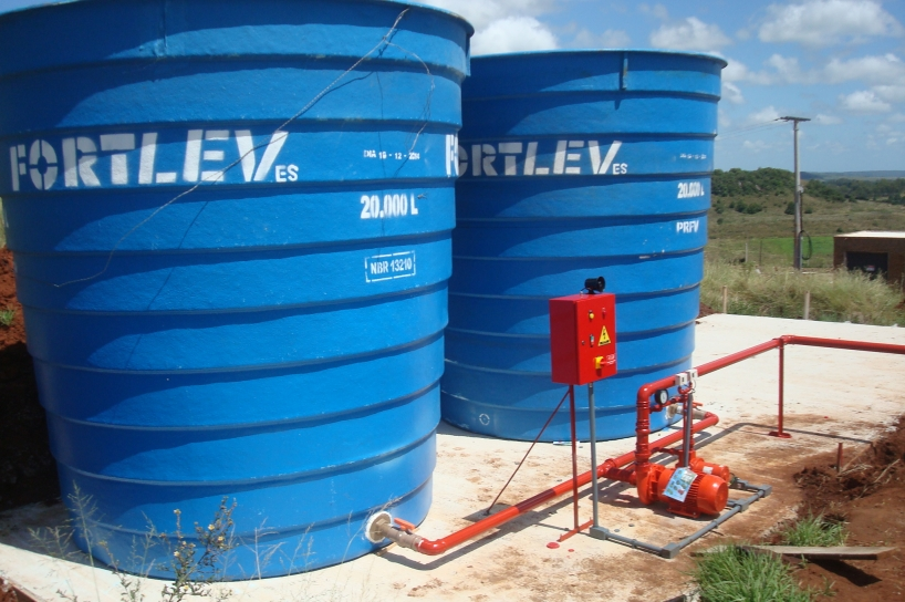 Limpeza de caixa d água na Zona Leste