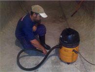 Limpeza de reservatório de água